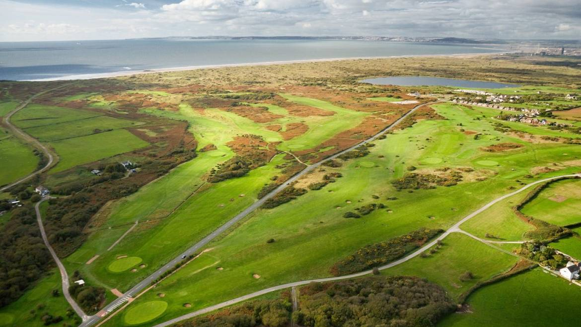 Pyle and Kenfig Golf Club have won the Premier League in 2019